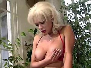 Sexy blond tranny makes dirty girl blow and nails her