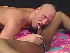 Cockloving ebony tranny fucks w guy