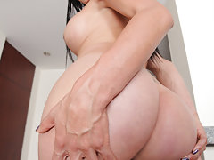 Corolina loves playing and rubbing down her sexy she-cock